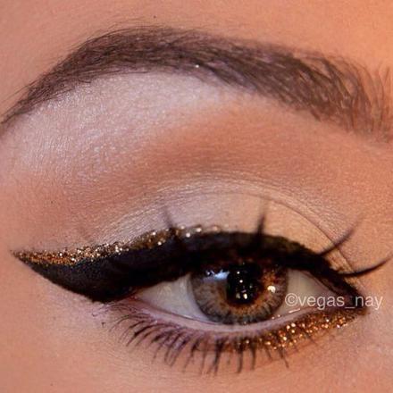 eye liner doré
